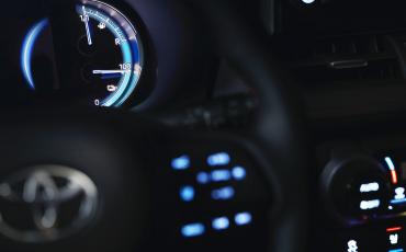 02-Nieuw-hybride-topmodel-van-Toyota-de-RAV4-Plug-in-Hybrid