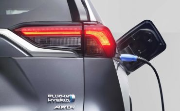 10-Nieuw-hybride-topmodel-van-Toyota-de-RAV4-Plug-in-Hybrid