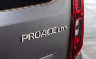 11-Toyota-maakt-prijzen-PROACE-CITY-VERSO-bekend