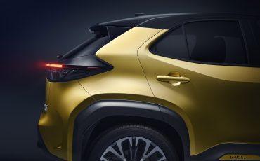 14-Toyota-ontlhult-gloednieuwe-Yaris-Cross-een-slimme-SUV-in-het-B-segment