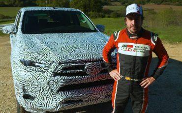 Vernieuwde-Toyota-Hilux-getest-door-Fernando-Alonso