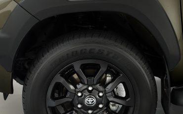 15-De-vernieuwde-Toyota-Hilux-onoverwinnelijk