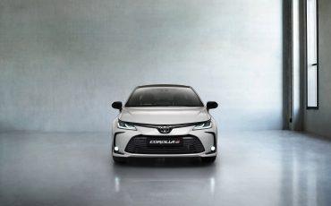 03-Toyota-Corolla-Sedan-GR-Sport-vindt-inspiratie-in-racedivisie-van-Toyota