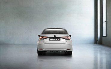 04-Toyota-Corolla-Sedan-GR-Sport-vindt-inspiratie-in-racedivisie-van-Toyota