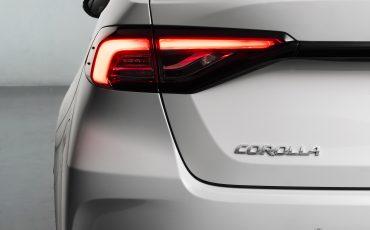 08-Toyota-Corolla-Sedan-GR-Sport-vindt-inspiratie-in-racedivisie-van-Toyota