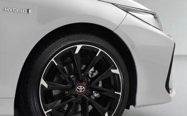 11-Toyota-Corolla-Sedan-GR-Sport-vindt-inspiratie-in-racedivisie-van-Toyota