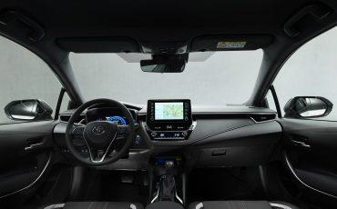 14-Toyota-Corolla-Sedan-GR-Sport-vindt-inspiratie-in-racedivisie-van-Toyota