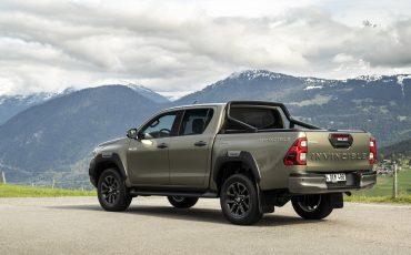 04-Vernieuwde-Toyota-Hilux-meer-power-verbeterde-prestaties-on-en-offroad