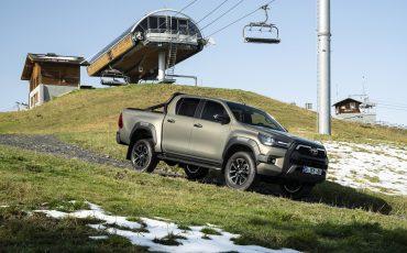 08-Vernieuwde-Toyota-Hilux-meer-power-verbeterde-prestaties-on-en-offroad