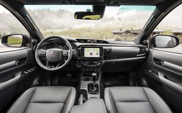 31-Vernieuwde-Toyota-Hilux-meer-power-verbeterde-prestaties-on-en-offroad
