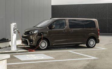 Toyota breidt elektrisch aanbod uit met PROACE VERSO Electric