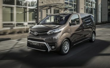 02-PROACE-VERSO-Electric
