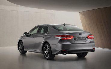 02-Toyota-Camry-Hybrid-vernieuwd