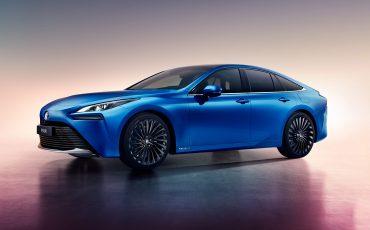 02-Toyota-geeft-prijs-2e-generatie-waterstof-elektrische-Mirai-vrij