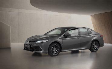 03-Toyota-Camry-Hybrid-vernieuwd