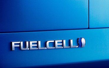 03-Toyota-geeft-prijs-2e-generatie-waterstof-elektrische-Mirai-vrij
