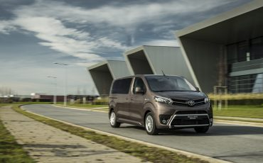 04-PROACE-VERSO-Electric
