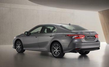04-Toyota-Camry-Hybrid-vernieuwd
