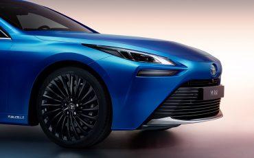 04-Toyota-geeft-prijs-2e-generatie-waterstof-elektrische-Mirai-vrij
