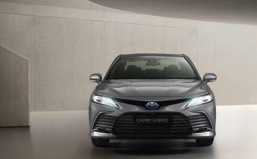06-Toyota-Camry-Hybrid-vernieuwd
