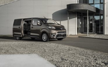 09-PROACE-VERSO-Electric