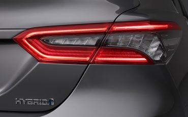 18-Toyota-Camry-Hybrid-vernieuwd