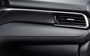 24-Toyota-Camry-Hybrid-vernieuwd