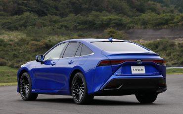 02-De-volledig-nieuwe-waterstof-elektrische-Toyota-Mirai