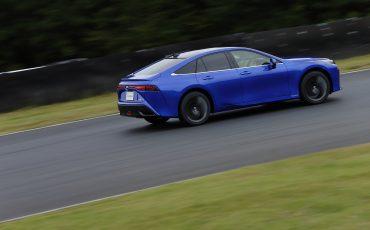 07-De-volledig-nieuwe-waterstof-elektrische-Toyota-Mirai