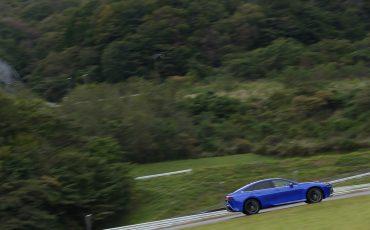 08-De-volledig-nieuwe-waterstof-elektrische-Toyota-Mirai