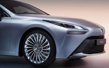 13-De-volledig-nieuwe-waterstof-elektrische-Toyota-Mirai