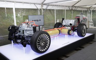 25-De-volledig-nieuwe-waterstof-elektrische-Toyota-Mirai