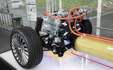 30-De-volledig-nieuwe-waterstof-elektrische-Toyota-Mirai