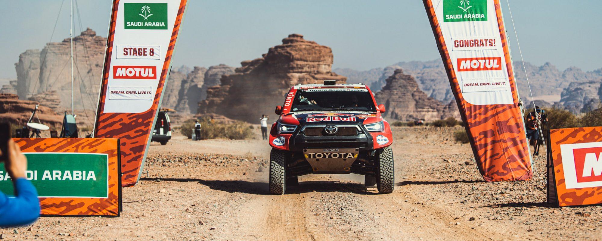 Toyota GAZOO Racing wint marathon-etappe Dakar 2021