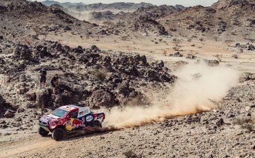 03-Toyota-GAZOO-Racing-weer-op-jacht-naar-Dakar-titel