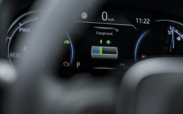 17-Toyota-prijst-hybride-topmodel-RAV4-Plug-in-Hybrid