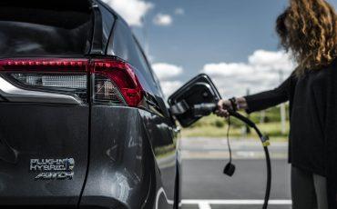 21-Toyota-prijst-hybride-topmodel-RAV4-Plug-in-Hybrid