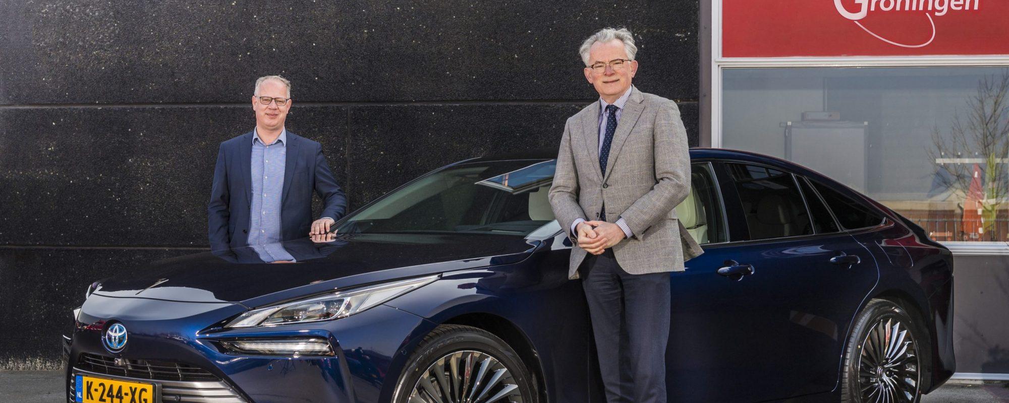 Eerste Nederlandse Toyota Mirai nieuwe dienstauto gemeentebestuur Groningen