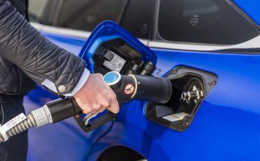 06_Toyota-levert-nieuwe-Mirai-inclusief-eigen-waterstoftankstation