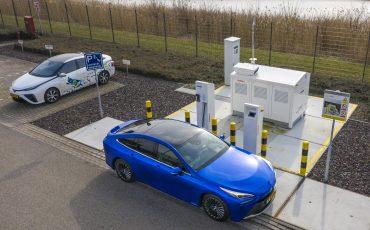 11_Toyota-levert-nieuwe-Mirai-inclusief-eigen-waterstoftankstation